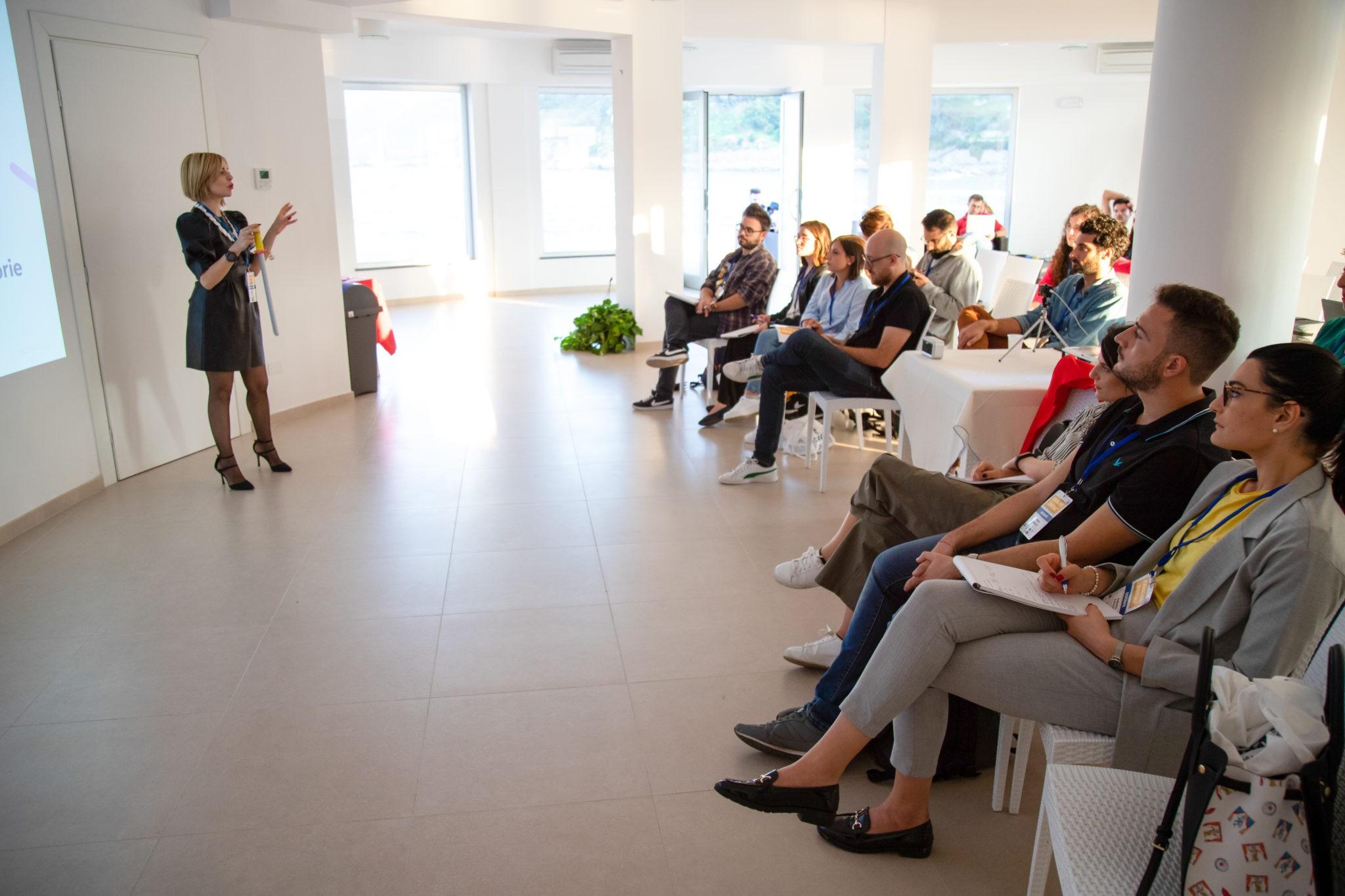 Classe in aula con Chiara Landi